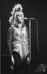 Peter Gabriel als The Moonlight Knight