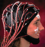 hoofd met elektrodes erop