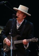 330px-Bob_Dylan_-_Azkena_Rock_Festival_2010_2