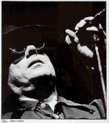 Van Morrison met veel schaduw
