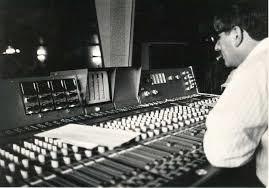 geluidstechnicus-achter-mengtafel
