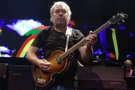 Bart van Poppel met gitaar