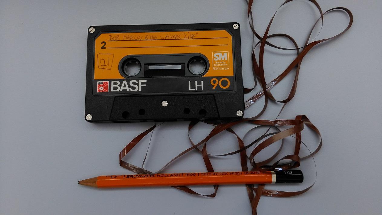 eigen foto cassette met losse tape en potlood low res