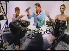 Pop Muzik in studio twee vrouwen