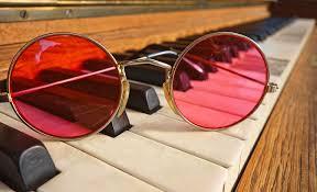 roze bril piano